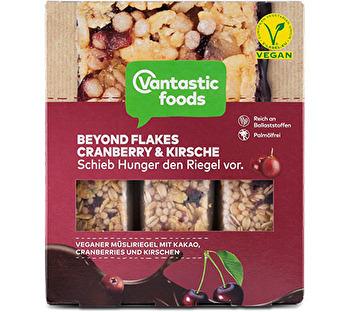 Beyond Flakes Müsliriegel Schoko Kirsche von Vantastic Foods preiswert bei kokku im veganen Onlineshop kaufen!