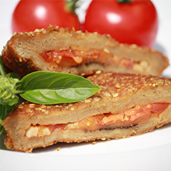 Vegourmet Cordon Pizza - Cordon Bleu mit Jeezini Italy und Tomaten